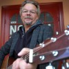 Wallén i utsatt läge – ensam med gitarr