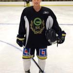 Landslagsstjärnan Jenni Asserholt fanns med på isen i Råsshallen.