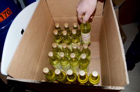 De första lådorna som ska levereras till Systembolaget.