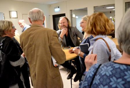 Författaren Hans Gunnarsson trivdes tillsammans med läsarna.